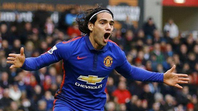 Útočník Radamel Falcao, loňská akvizice Manchesteru United, se raduje z gólu