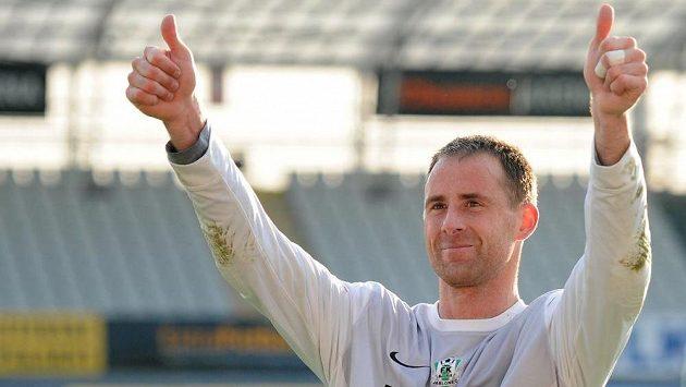 Brankář Jablonce Michal Špit se raduje ze stého zápasu bez inkasovaného gólu.