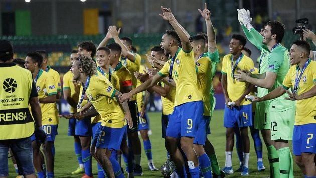 Brazilští fotbalisté se radují. Po výhře nad Argentinou 3:0 mají jistou účast na olympiádě v Tokiu.