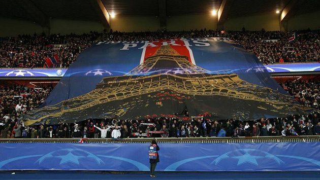 Fotbalová show běží v Paříži dál!