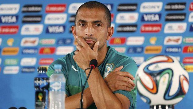 Trenér reprezentace Pobřeží slonoviny Sabri Lamouchi (na snímku) po porážce s Řeckem 1:2 rezignoval.