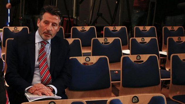 Sebastian Coe, šéf IAAF, při čekání na oznámení další části zprávy WADA v Mnichově.