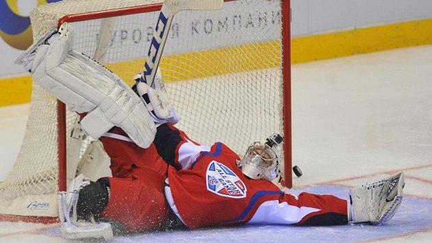 Utkání hvězd KHL v Bratislavě. Na snímku brankář výběru Východu Mikko Koskinen.