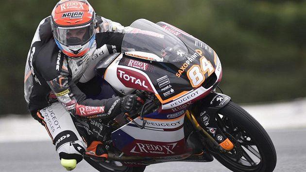 Jakub Kornfeil při tréninku kategorie Moto3 na Velkou cenu České republiky.