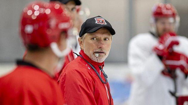 Hlavní trenér Hradce Králové Tomáš Martinec na prvním tréninku na ledě.