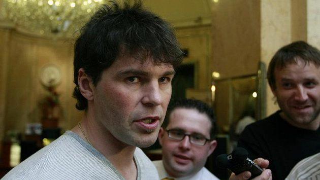 Jaromír Jágr v rozhovoru s novináři v Karlových Varech při vyhlášení ankety Zlatá hokejka