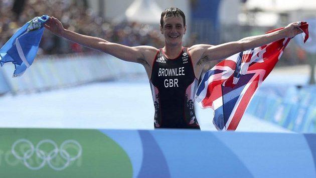 Brit Alistair Brownlee obhájil v Riu olympijský titul v triatlonu.