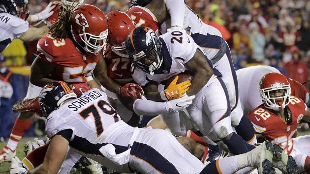 Duel Denver Broncos s Kansas City Chiefs.