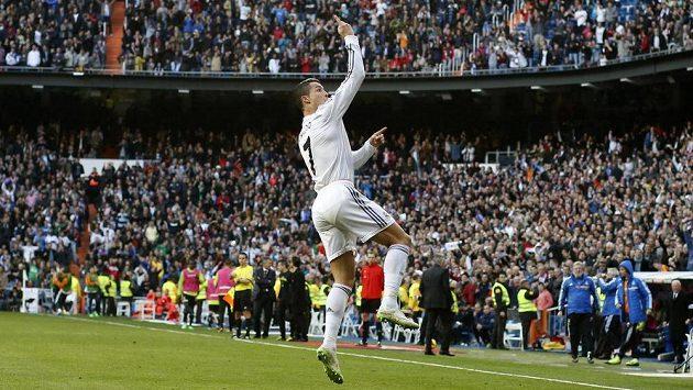Fanoušci Realu Madrid i největší hvězda týmu Cristiano Ronaldo se dočkají rekonstrukce stadiónu San Bernabéu.