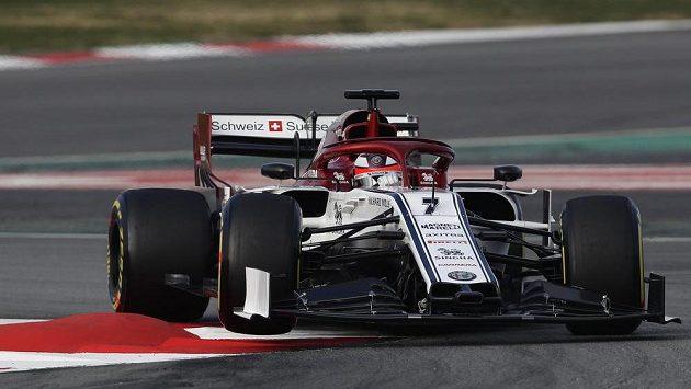 Finský pilot Kimi Raikkonen testuje nový monopost F1 týmu Alfa Romeo.