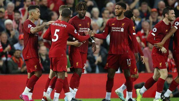To byla jízda. Fotbalisté Liverpoolu nasázeli už během první půle do sítě Norwiche čtyři branky.