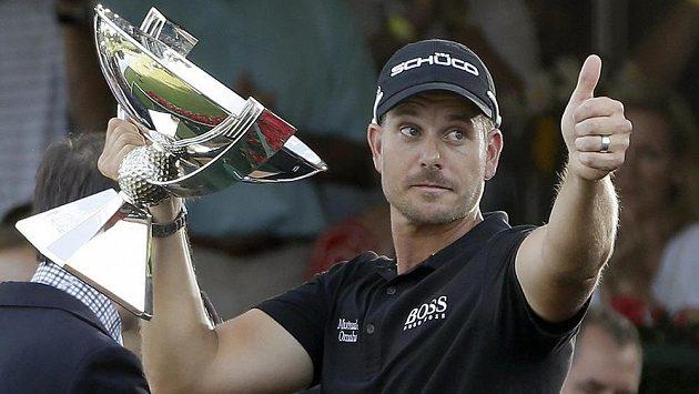 Švédský golfista Henrik Stenson se raduje z vítězství ve FedExCupu.