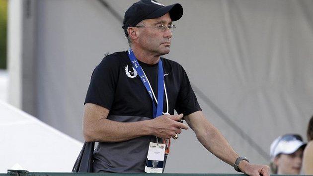 Bývalý trenér elitních vytrvalců Alberto Salazar.