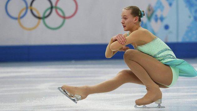 Česká krasobruslařka Elizaveta Ukolova během krátkého programu na olympijských hrách v Soči.