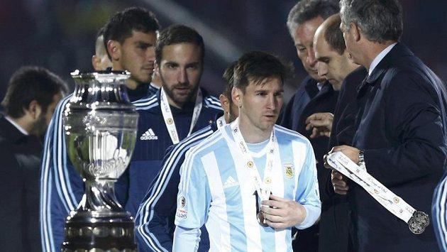 Stříbrná medaile na mistrovství Jižní Ameriky Lionelu Messimu rozhodně radost neudělala.