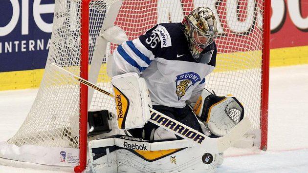 Finský brankář Pekka Rinne bude pro české hokejisty ve čtvrtfinále MS obtížnou překážkou.