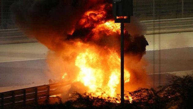 Děsivá nehoda ze které Grosjean vyvázl jen zázrakem s lehkými popáleninami