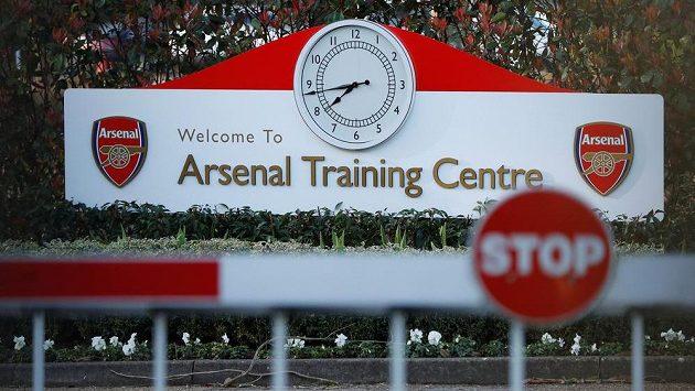 Arsenal uzavřel i tréninkový areál London Colney.