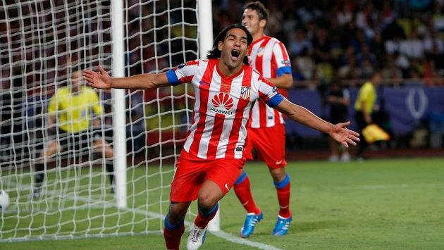 Radamel Falcao nakonec v Monaku nastoupil a Chelsea potupil.