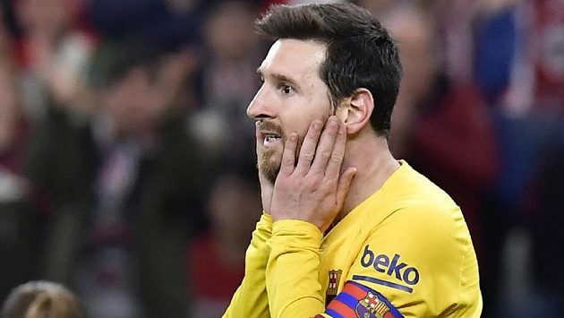 Zůstane v Barceloně? Už to definitivně vypadá, že ano. Do přípravy naskočil i s kapitánskou páskou.
