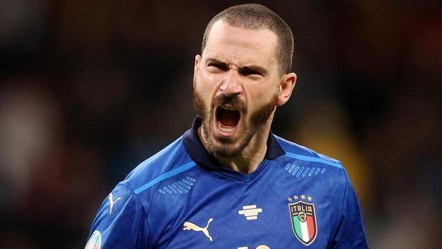 Italský reprezentant Leonardo Bonucci v semifinále EURO.