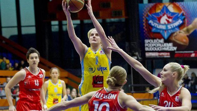 Jelena Dubljevičová z USK Praha (nahoře uprostřed), Rachel Allisonová (dole uprostřed) a Louice Halvarssonová (vpravo) z Rivasu Madrid.