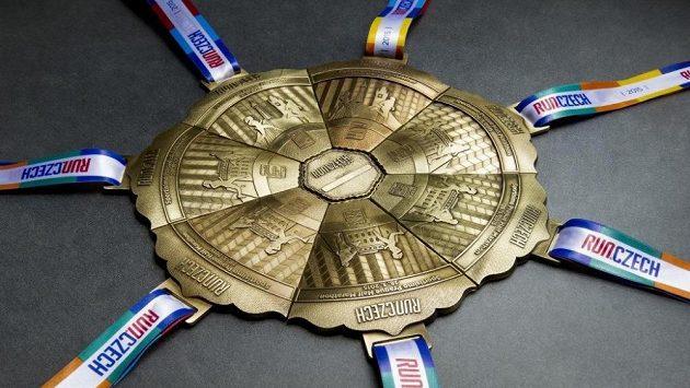 Sada medailí, kterou je možné získat, pokud se účastníte všech závodů, které pořádá Run Czech.