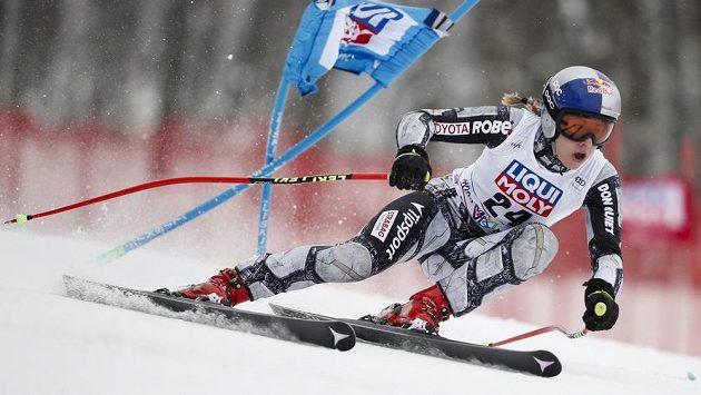 Česká sportovní hvězda Ester Ledecká na trati super-G v rámci Světového poháru v Rusku.