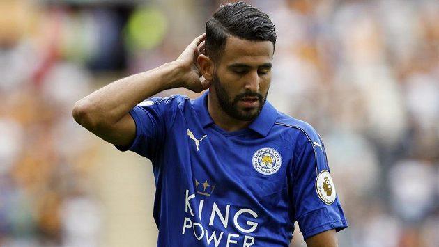 Alžírský záložník Rijád Mahriz prodloužil smlouvu s Leicesterem.