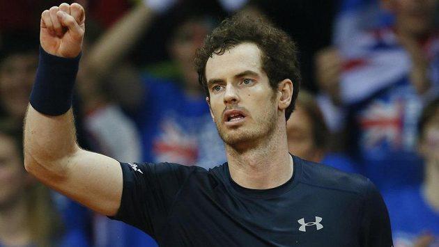Britský tenista Andy Murray slaví vítězství nad Belgičanem Rubenem Bemelmansem ve finále Davisova poháru.