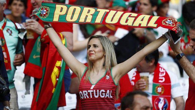 Portugalci bodovali na hřišti i v hledišti.