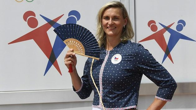 Oštěpařka Barbora Špotáková si vyzkoušela i nástupovou olympijskou kolekci.