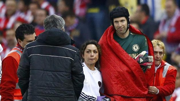 Petr Čech je sice v ideální jedenáctce anglické ligy, ale momentálně je mimo hru kvůil zranění ramena v úvodu semifinále Ligy mistrů proti Atlétiku Madrid.