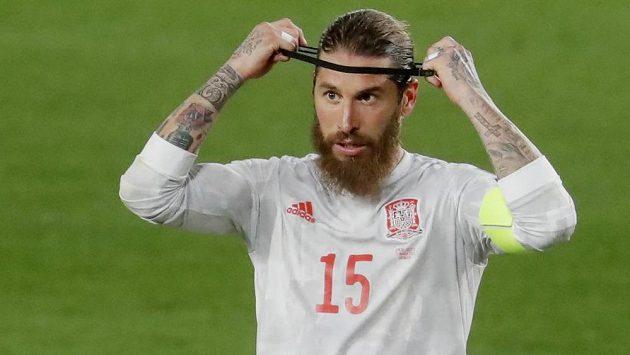 Španělský fotbalový reprezentant Sergio Ramos není k dispozici Realu Madrid pro zápas Ligy mistrů s Liverpoolem.