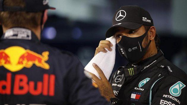 Lewis Hamilton v bahrajnu.
