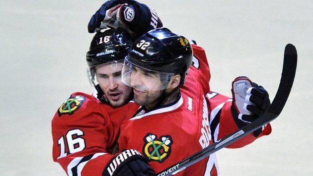 Michal Rozsíval (vpravo) se raduje z gólu do sítě San Jose.