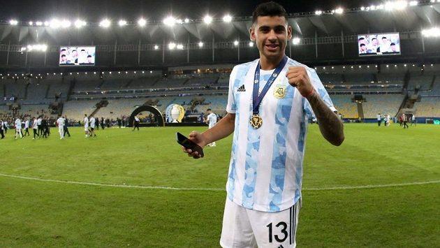 Argentinský obránce Cristian Romero přestoupil z Juventusu do Bergama, kde už v minulé sezoně hostoval. Následně jej ale klub prodal do Tottenhamu.