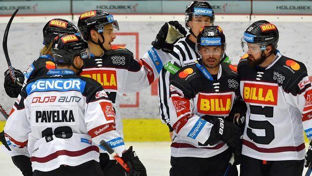 Hokejisté Sparty ani Třince a Liberce si nakonec v této sezoně Ligu mistrů nezahrají.