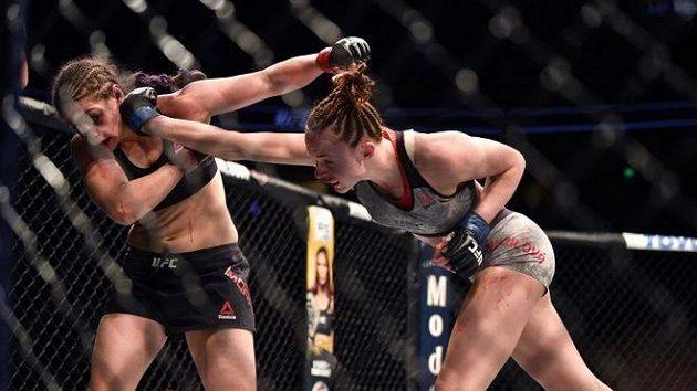 Bude boj! Lucie Pudilová (vpravo) se chystá na další zápas v UFC.