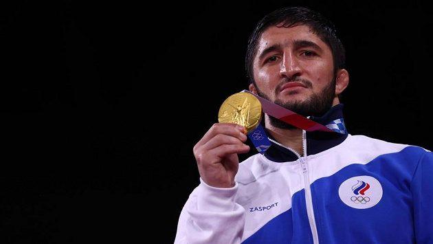 Ruský zápasník Abdulrašid Sadulajev potvrdil roli favorita a získává na olympiádě zlatou medaili.