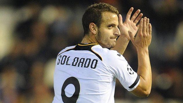 Roberto Soldado míří na ostrovy, bude střílet góly za Tottenham.