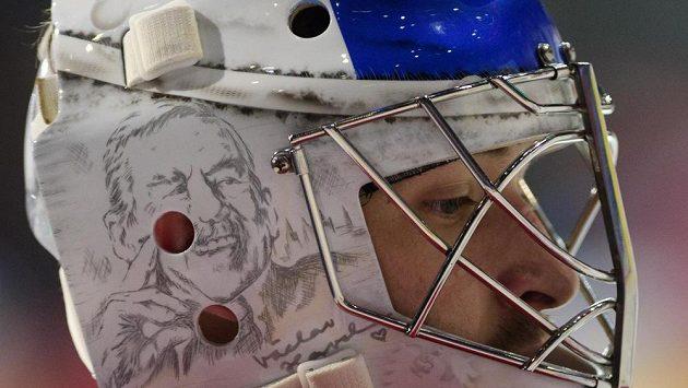 Maska českého reprezentačního brankáře Pavla Francouze s podobiznou bývalého prezidenta Václava Havla.