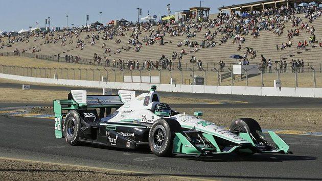 Simon Pagenaud z Francie při závodě IndyCar v Sonomě.