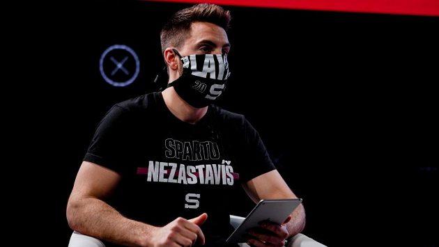Prvním hostem pořadu Sparta On Air byl brankář Matěj Machovský.