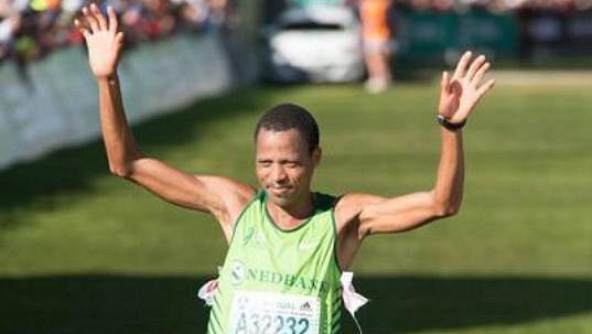 Hendrick Ramaala z Jižní Afriky vyhrál slavný maratón v New Yorku, na olympiádě se ale nikdy nevešel do TOP 10.