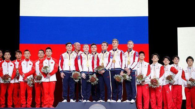 Ruští gymnasté získali na mistrovství světa ve Stuttgartu poprvé od konce sovětské éry v roce 1991 zlaté medaile ze soutěže družstev.