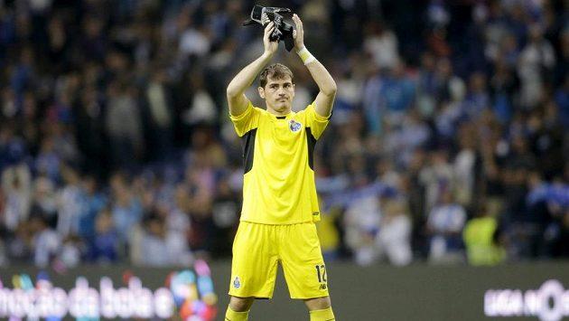 Španělský brankář Iker Casillas po prvním ligovém zápase v dresu Porta.