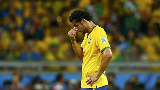 Zklamaný Fred sklízí po vyřazení Brazílie zlobu fanoušků.