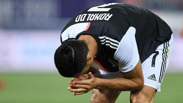 Cristiano Ronaldo z Juventusu při utkání s Boloňou.