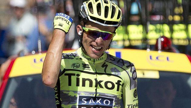 Polský cyklista Rafal Majka se v cíli raduje z triumfu v 11. etapě Tour de France.